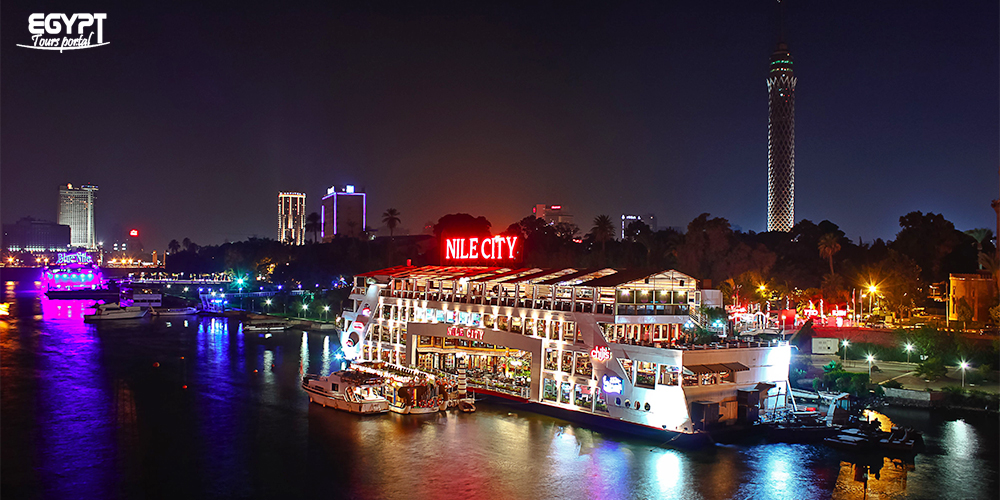 Cairo Dinner Cruise - Christmas and New Year in Egypt